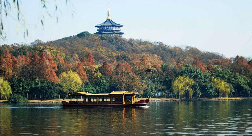 杭州西湖泛舟